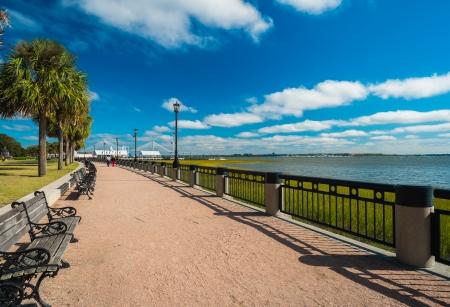 carolina del sur: Parque de la playa en el centro de Charleston, Carolina del Sur.