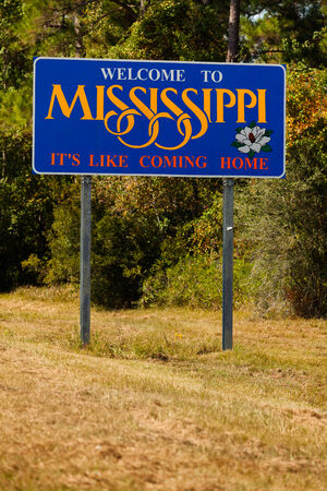 mississippi: Mississippi state sign along the roadside Editorial