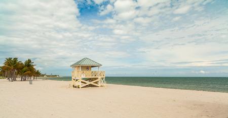 key biscane: Hermosa playa del Parque Crandon ubicada en Key Biscayne en Miami