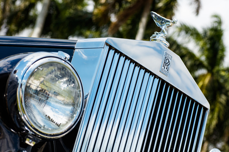 car grill: Miami, FL USA - February 28, 2016: Beautifully restored 1952 Rolls Royce automobile in a outdoor setting. Editorial