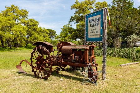 destination scenics: Wimberley, Texas USA - April 6, 2016: Vintage retail store in the small Texas Hill Country town of Wimberley.