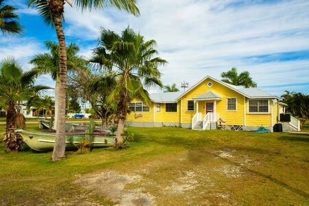 bienes raices: Everglades City, FL USA - January 26, 2017: Typical wood frame style vintage home located in the rural community of Everglades City. Editorial