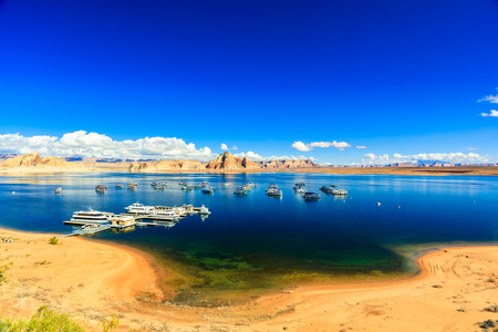 lake powell: The natural beauty of Lone Rock Canyon and Lake Powell in Utah. Stock Photo