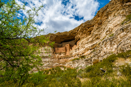 Scenic view of the beautiful Montezuma Castle National Monument in Arizona. Zdjęcie Seryjne