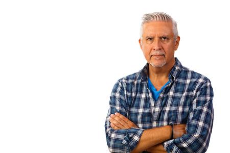 Hübscher Mann mittleren Alters Studioportrait isoliert auf weißem Hintergrund.