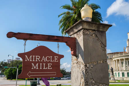 Sign for the popular Miracle Mile in Coral, Gables in Miami. 版權商用圖片