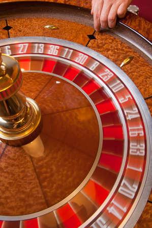 roulette spins, hand dealer