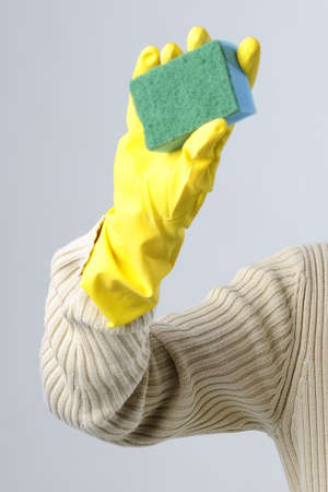 cleaning with sponge photo