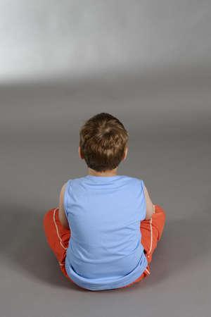 bambini tristi: ragazzo affetto triste