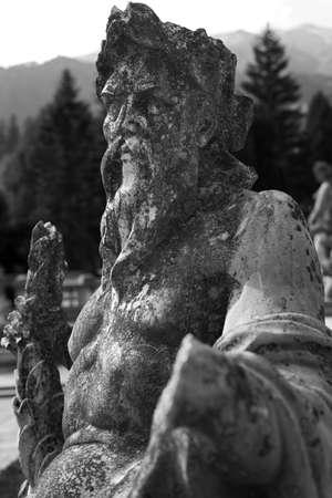 neptun: neptun statue