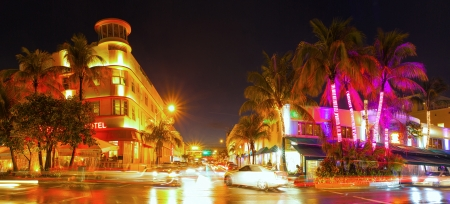 miami sunset: Miami Beach Florida, colorful night summer scene on Ocean Drive Art Deco District