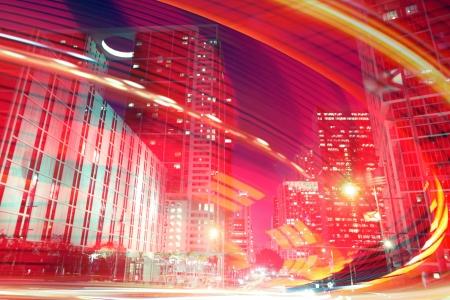 밤 도시에서 빠른 교통 운동의 추상적 인 배경 일러스트 레이 션. 설계에 사용 플로리다 마이애미의 사진은 내 컬렉션에서입니다.