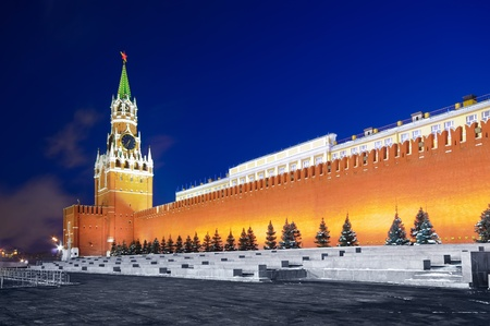 spassky: Spasskaya tower of Kremlin in red square, night view  Moscow, Russia
