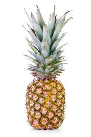 Rijpe ananas geïsoleerd op witte achtergrond Stockfoto