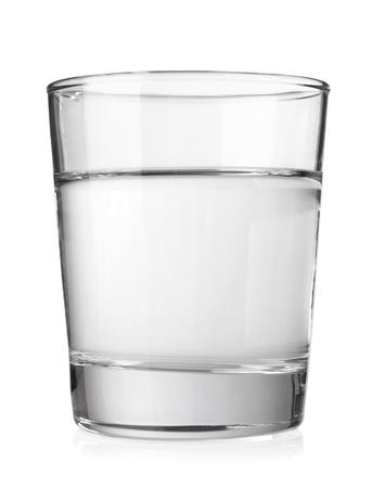 흰색 배경에 고립 된 깨끗한 미네랄 워터와 투명 유리 스톡 콘텐츠