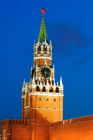 spassky: Spasskaya tower of Kremlin in red square, night view. Moscow, Russia