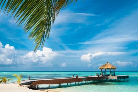 Maldivische huis op een tropisch eiland, reizen achtergrond Stockfoto