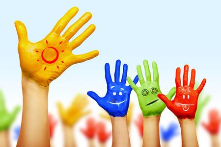 handen van verschillende kleuren. culturele en etnische diversiteit, vector illustratie Stockfoto