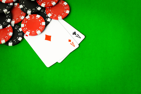 poker: Poker cloth, a deck of cards