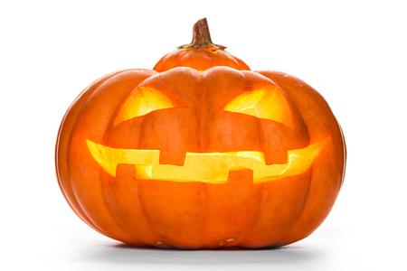 Halloween pompoen geïsoleerd op een witte achtergrond. studio-opname