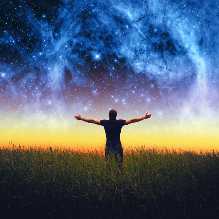 Silhouette des Menschen und Sterne Himmel. Elemente dieses Bildes von der NASA eingerichtet