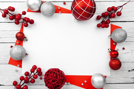 Christmas composition. Christmas decoration on wooden white background Stockfoto