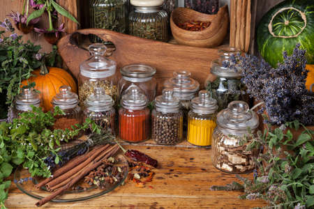 Spice and herbs Imagens