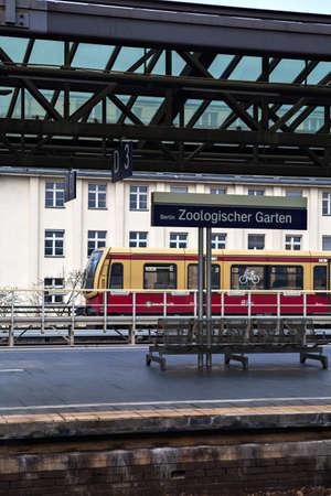 garten: BERLIN, GERMANY - NOVEMBER 13, 2014 : Train in  Berlin Zoologischer Garten (Bahnhof ZOO) railway station. Zoo was the main train station in West Berlin during the Cold War.
