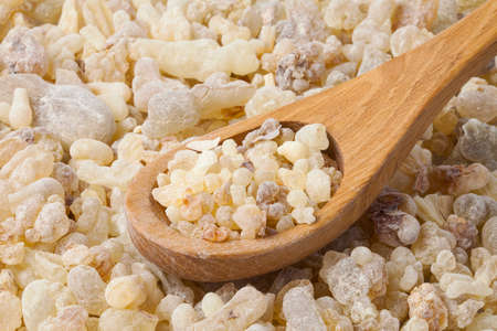 Frankincense  in a wooden spoon Imagens