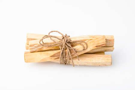 "Bursera graveolens는 스페인어로 Palo Santo ( ""거룩한 나무"") 라틴 아메리카에서 온 야생의 나무입니다. 그것은 오브제를 만들고 불타는 막대기 스톡 콘텐츠"