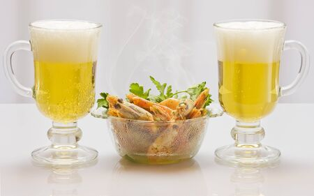 Beer and prawns Stock Photo - 13006017