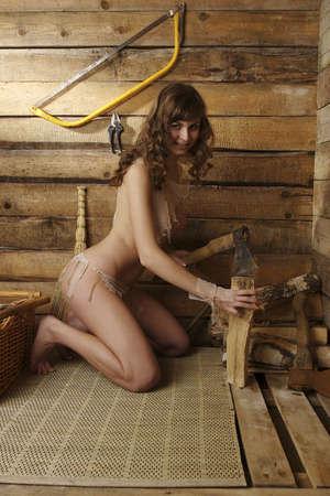 jeune femme nue: Portrait d'une jeune femme nue Banque d'images