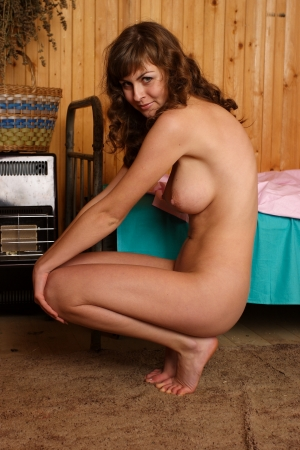 tetas: Chica desnuda Retrato de una joven mujer desnuda con pechos grandes Foto de archivo