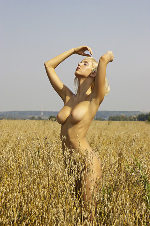 nude girl young: Naked blonde