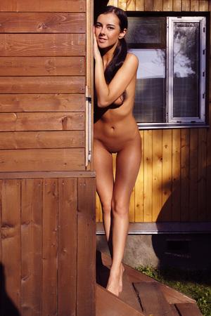 chica desnuda: chica desnuda. Retrato de una mujer desnuda.