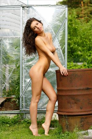 nudity: Nude pretty girl.