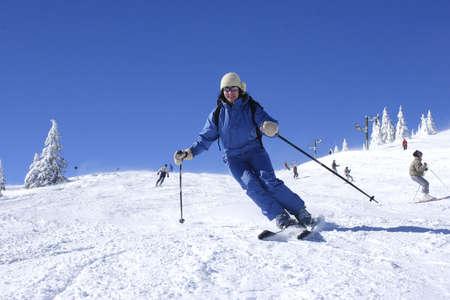 woman skiing photo