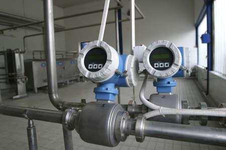Temperaturregelung Ventile in Milcherzeugung Fabrik  Standard-Bild - 748752