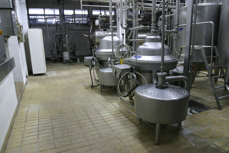 stainless steel temperature controlled pressure tanks in factory