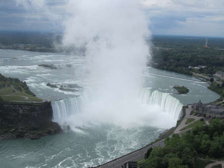 horseshoe falls: Niagara Falls - Horseshoe Falls Editorial