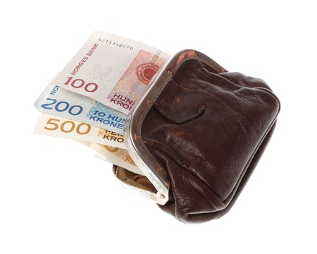 One brown purse filled with three Norwegian banknotes in the demonitations of 100