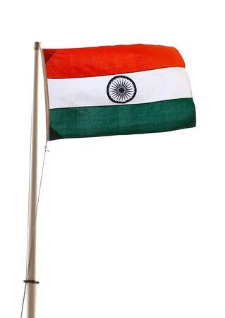 bandera blanca: bandera de la India y el m�stil aislados sobre fondo blanco.