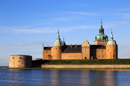 Buitenkant van het kasteel Kalmar gelegen aan de Baltische zee in Kalmar, Zweden. Stockfoto