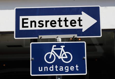 Danish one-way street sign except bikes.