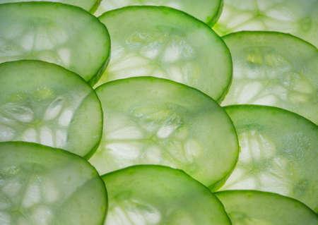 Fina gröna och friska gurka skivor Stockfoto