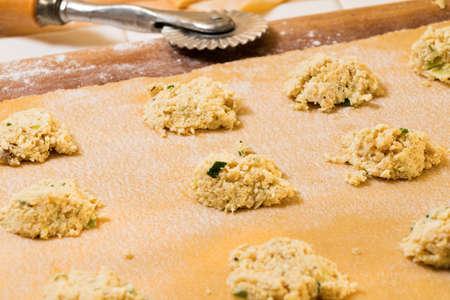 semolina paste: pasta fresca con uova, farina e grano duro
