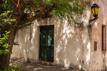 colonia del sacramento: Colonia del Sacramento is on the Ro de la Plata in Uruguay, is the oldest city of Uruguay, its old town what Declared a UNESCO World Heritage Site.