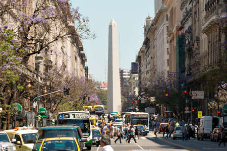 obelisco: The Obelisk of Buenos Aires was built in 1936 to celebrate the 400th anniversary of the city founding Alberto Prebisch
