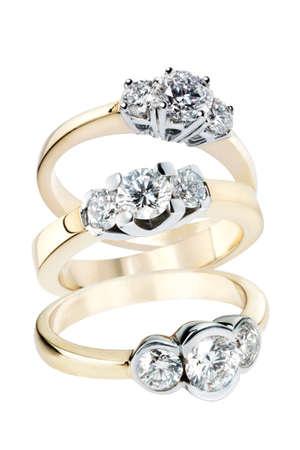 金のダイヤモンドの指輪のコレクション