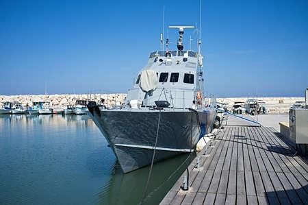安全な港で警察のボート 写真素材